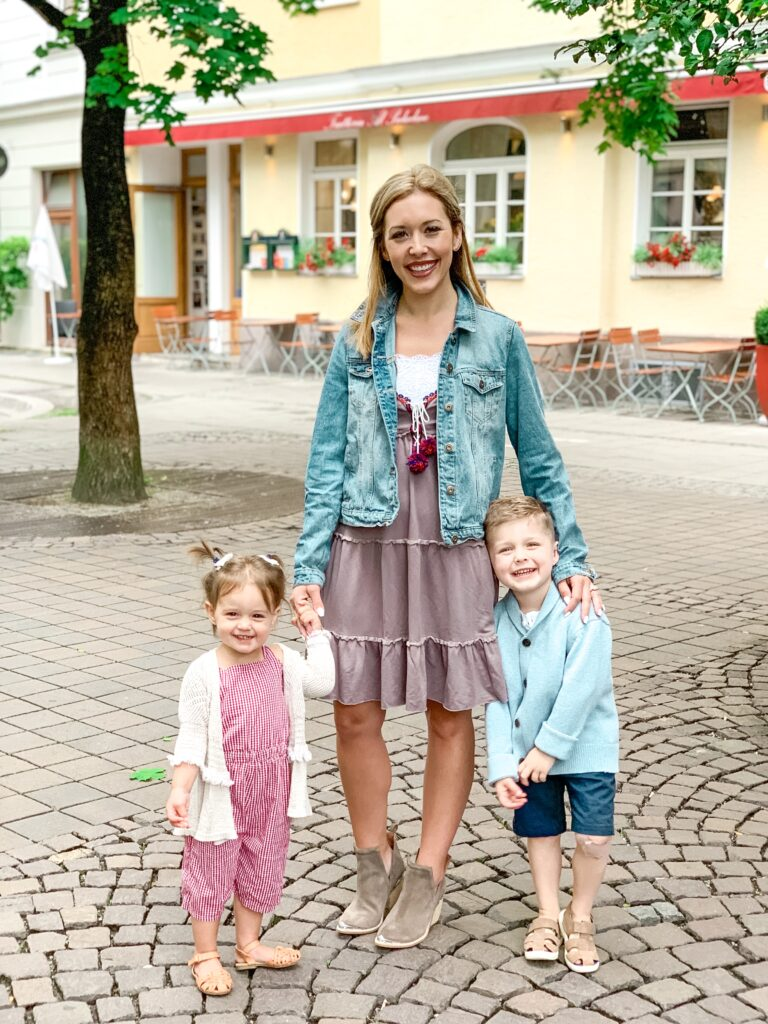 Brianna Landon and Presley walking around Munich Germany MUNICH, GERMANY TRAVEL DIARY | 4-DAY ITINERARY AND TRAVEL TIPS Brianna K bitsofbri young family traveling the world