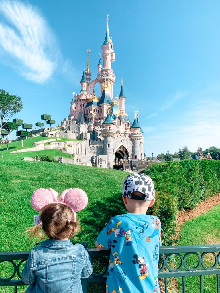 Landon at Presley at Disneyland Paris castle 2019 Brianna K bitsofbri disney blog