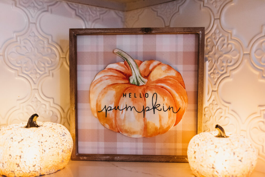 fall kitchen decor hello pumpkin sign and light up pumpkin joann fabrics Brianna K bits of Bri bitsofbri with a pumpkin for fall clean and decorate with me 2019 fall decor fall decoration ideas